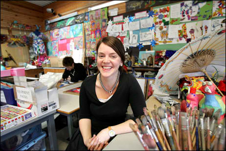 how to become an art teacher a complete guide crazy scholarships